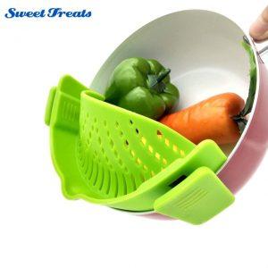 STRAIN Clip-on Silicone Strainer, Green - Dishwasher